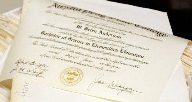 Diploma Acadêmico